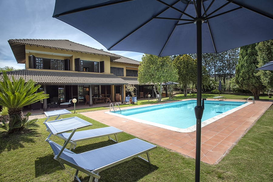 Domus 81 luxury villa piscina e zona solarium Sassari