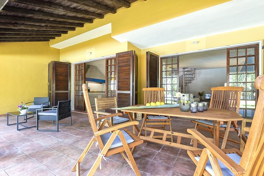 Domus 1 luxury villa sedute esterno cucina