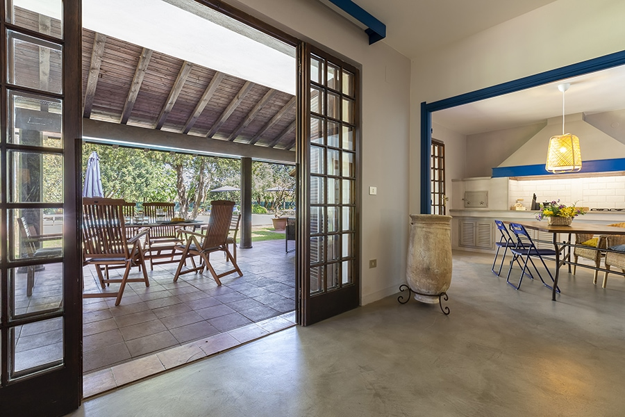 Domus 1 luxury villa cucina e patio